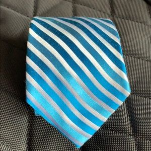 EXPRESS men's tie in white, blue and light blue